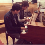 Ansel Elgort and Nat Wolff play piano on set of 'The Fault In Our Stars'